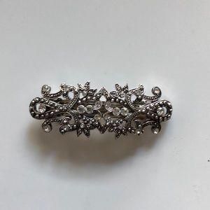 Accessories - Vintage silver hair clip